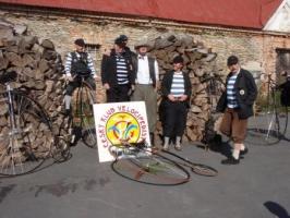 Výlet pánů s vysokými koly na Slezskou Hartu 2009